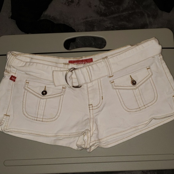 Hollister Pants - Hollister white shorts